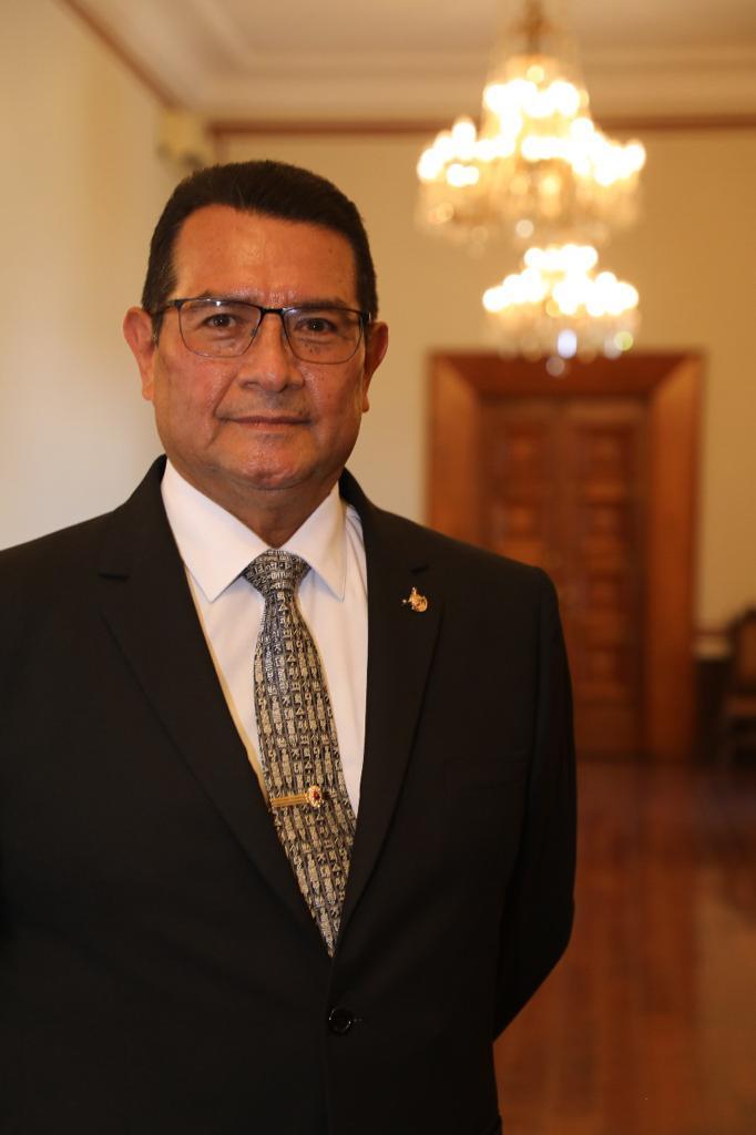 Fotografía del Secretario de Seguridad Pública